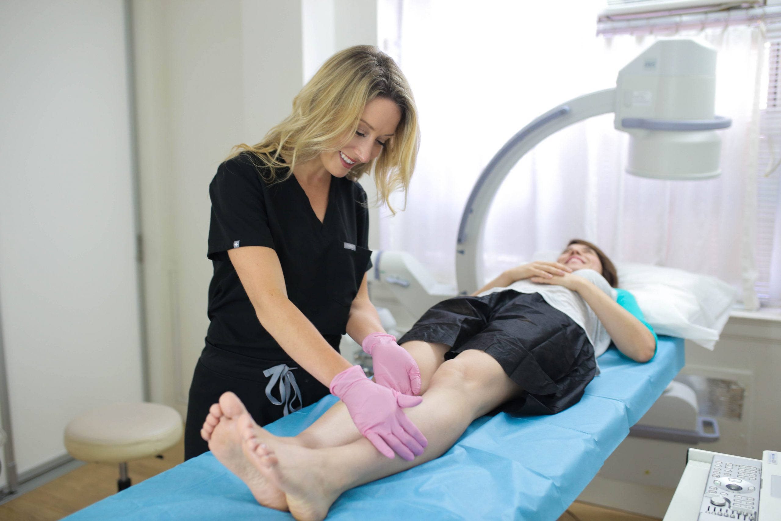 Are you looking for the best varicose vein doctor near Newark? This article introduces you to the best vein doctors and answers crucial questions about varicose vein treatments.
