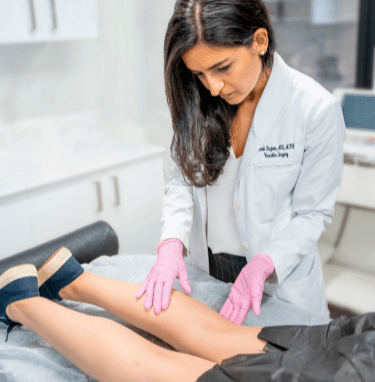 Are you looking for the best vein center near me in New Jersey? We provide a step-by-step guide to help you locate the best vein clinics in New Jersey near your location.
